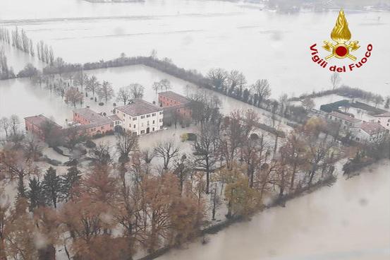 C0037_Esondazione Panaro_Gazzetta di Parma